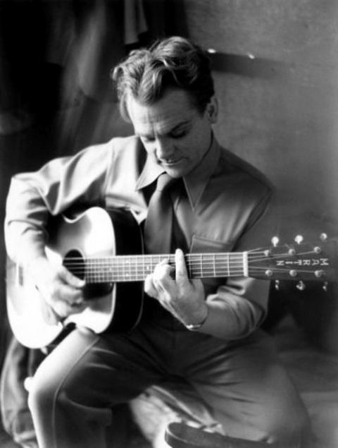 Cinema e Musica fuori dallo schermo fuori dal palco - Pagina 15 James_Cagney__Model_C-1__early_1930s